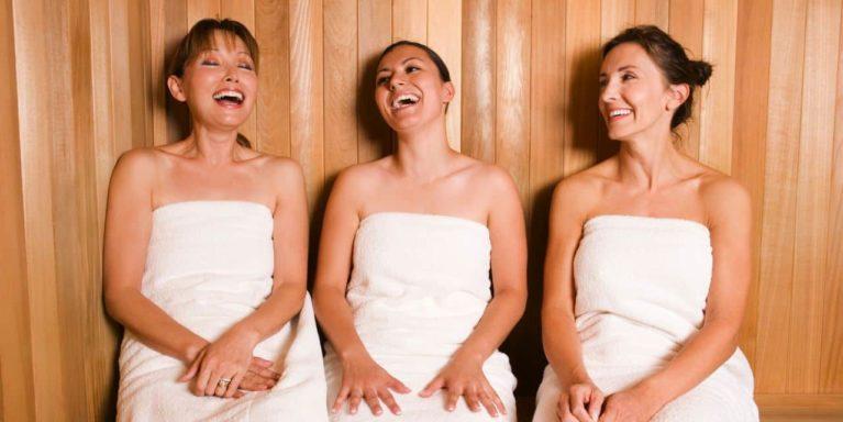 Sauna mit Freunden